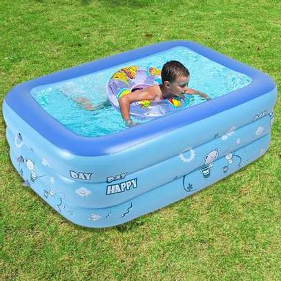 INFLATABLE KIDS SWIMMING POOL image 2