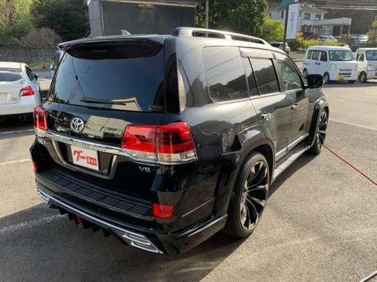 Land Cruiser ZX V8 Black 2016 image 9