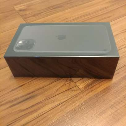 NEW Apple iPhone 11 Pro Max 256GB