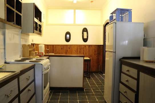 Furnished 2 bedroom house for rent in Gigiri image 4