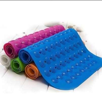 Antislip/antiskid bathroom mats image 1