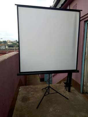 Tripod Projection Screen image 7