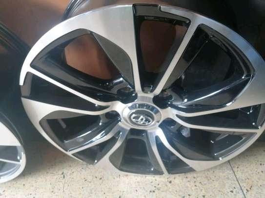 Size 20 rims for Toyota V8 image 1