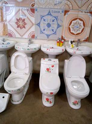 Fully body flowered decorated toilets image 1