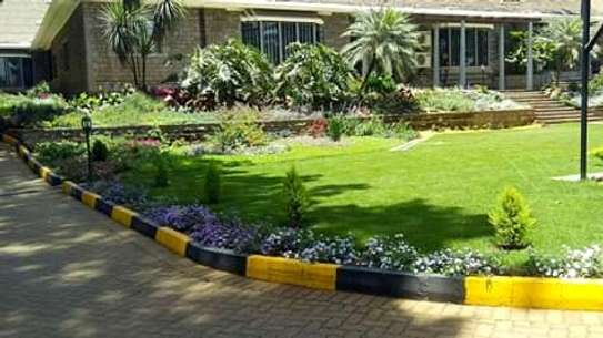 Landscaping,fitting cabros and garden foot paths.