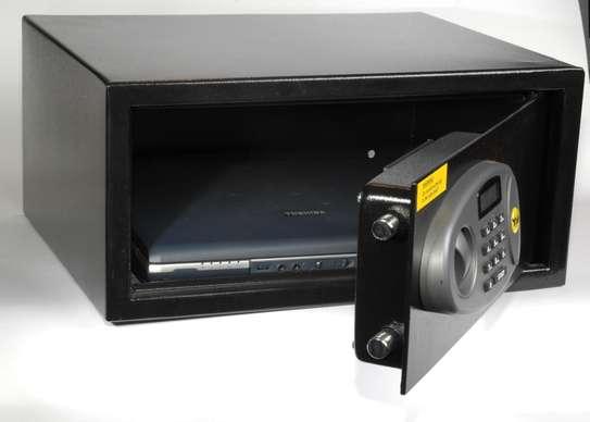 Yale SFT-35EDL Laptop Digital Safe image 2
