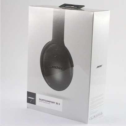 Bose QuietComfort 35 II Noise Cancelling Smart Wireless Headphones image 8