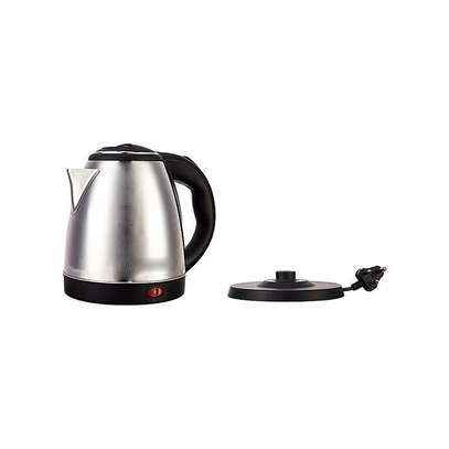 Lyons Cordless Stainless Steel Electric Kettle - 1.8 Litres - Silver & Black image 3