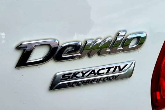 Mazda Demio image 7