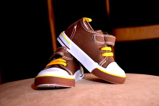 Baby shoes mother choice