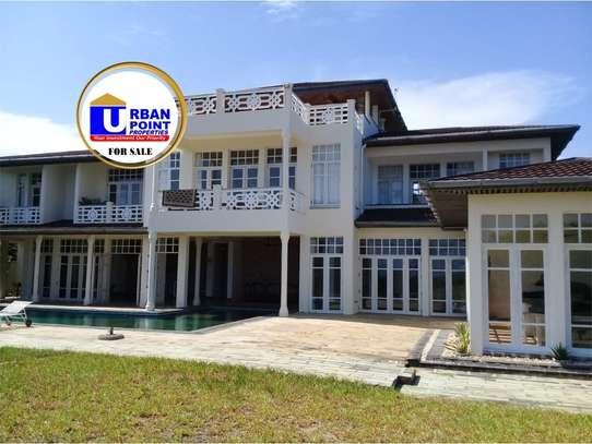 5 bedroom house for sale in Watamu image 1