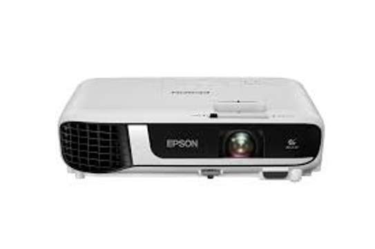 Epson EB-X51 XGA 3800 Lumens 3LCD Projector image 1