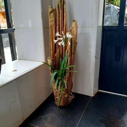 Indoor and outdoor flower vases from E&M decor holdings ltd