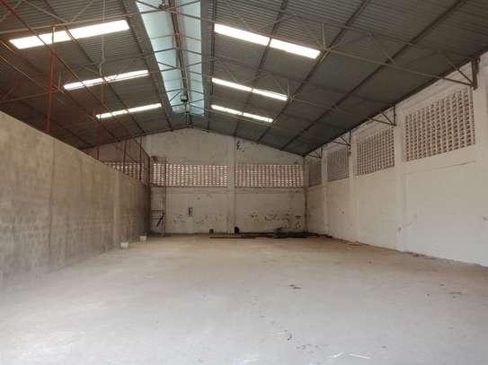 780 m² warehouse for rent in Kikambala image 3