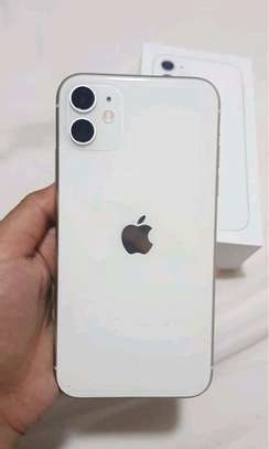 Apple Iphone 11 | 256gb Gigabytes | White image 1