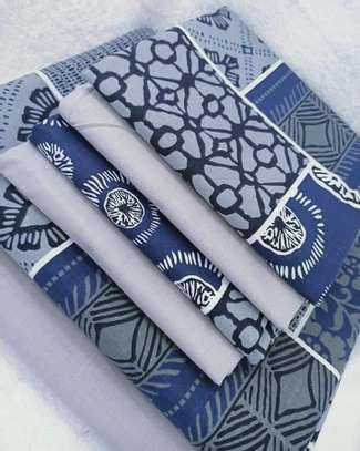 bed sheet blue flowery image 1