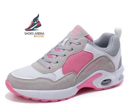 Casual sport shoes image 2