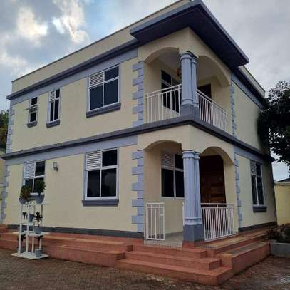 MODERN GUESTWING TO LET IN RUNDA. image 11