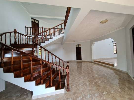 4 bedroom house for rent in Nyali Area image 16