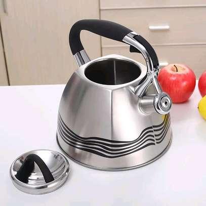 Whistling kettle image 1