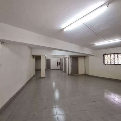 464 m² office for rent in Kilimani image 9