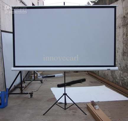 TRIPOD SCREEN FOR HIRE image 1