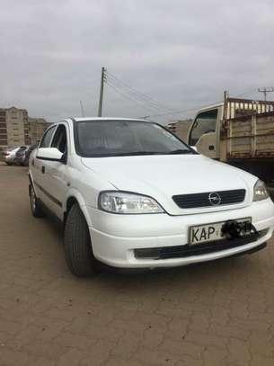 Opel Astra 1.6 image 1