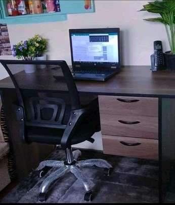 Desk/office chair