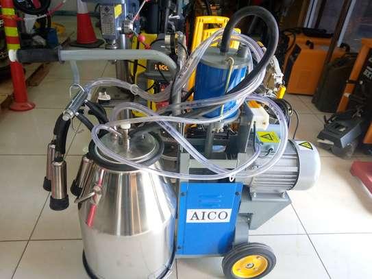 Milking machine image 1