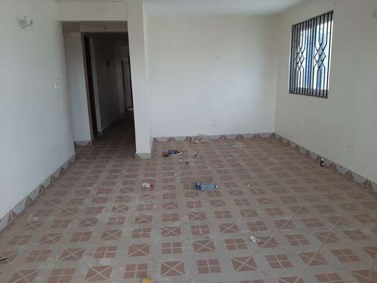 4 bedroom townhouse for rent in Nyali Area image 10