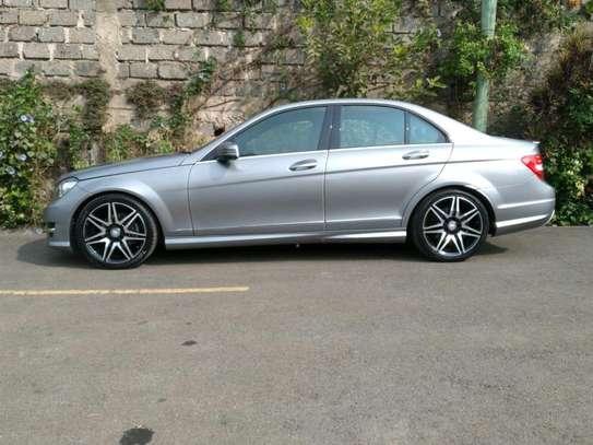 Mercedes-Benz C200 on sale image 2