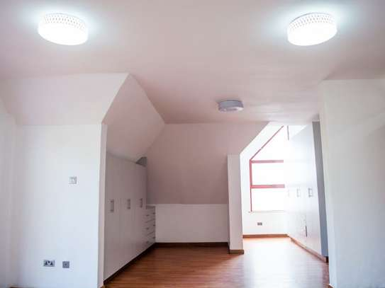 Red Hill - Flat & Apartment image 14
