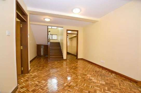 2 bedroom house for rent in Rosslyn image 5