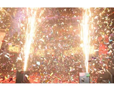 hire of confetti machines image 1