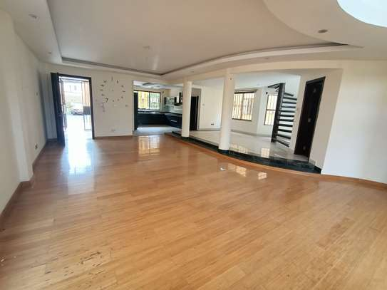 5 bedroom house for rent in Brookside image 11
