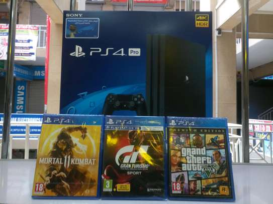 PS4 PRO 1 TB 3 GAME BUNDLE- Mk 11,Gran turismo,Gta V