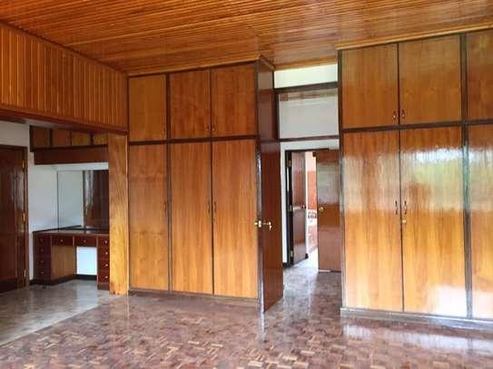 5 bedroom apartment for rent in Nyari image 8