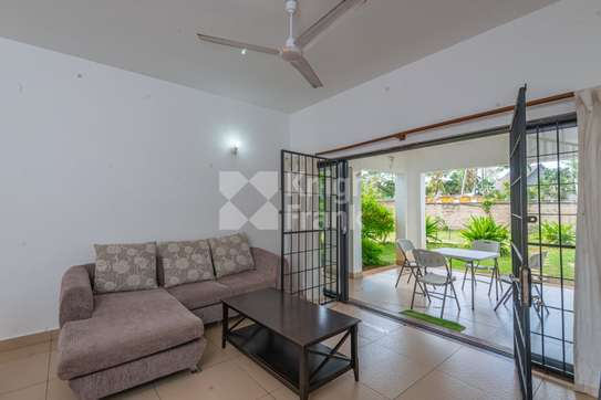 Furnished 3 bedroom apartment for sale in Bamburi image 3