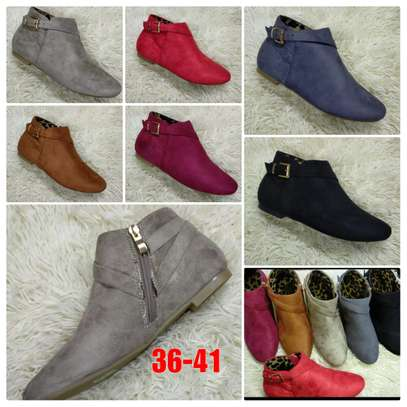 Flat suede Ankle boots image 1
