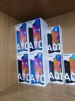 Samsung Galaxy A70 image 1