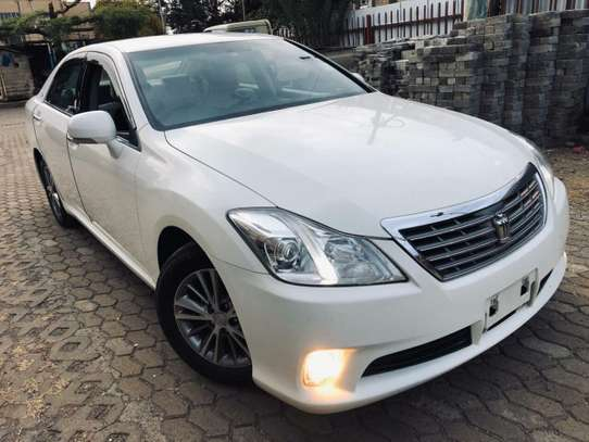Toyota Crown image 4