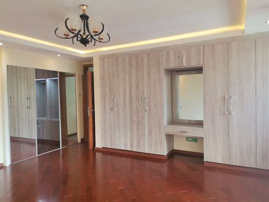 Magnificent 5 bedroom townhouse all ensuite with dsq for rent lavington area image 11