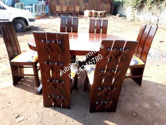 6seater dining table. image 4