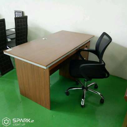 Office Chairs and desk image 1