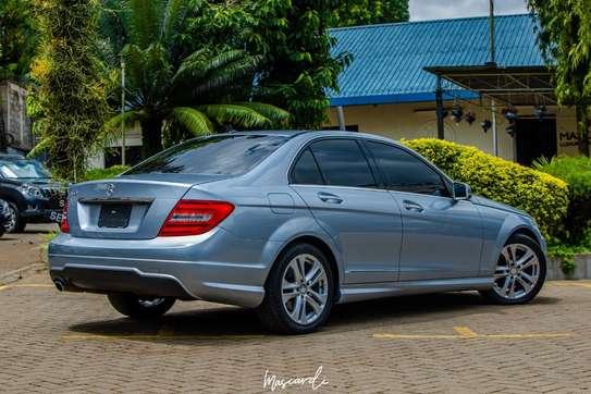 Mercedes-Benz C180 image 3
