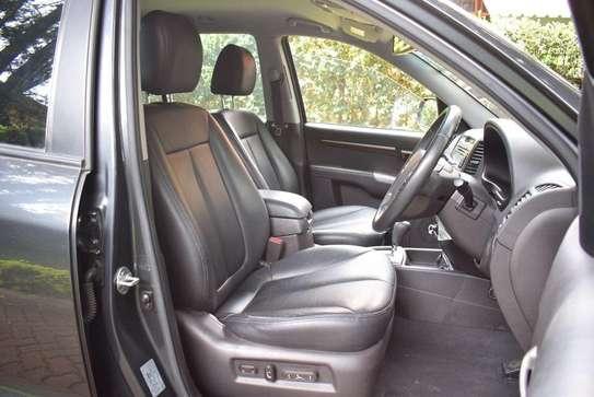 Hyundai SantaFe Year 2012 KCX Gray Color Ksh 1.95M image 3