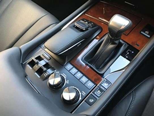 Lexus Lx570 2018 White 2000Km image 6