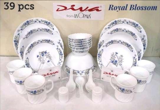 Royal Blossom dinner set image 1