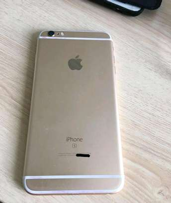 Apple Iphone 6s Plus / 128 Gigabytes / Gold And Wireless Airpods image 2