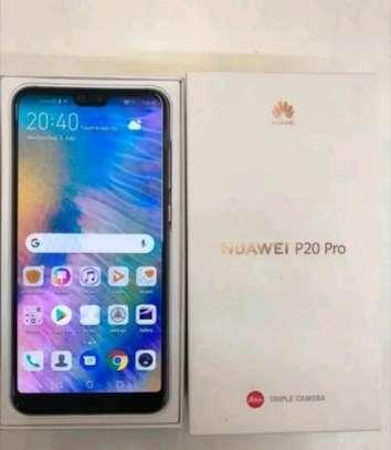 mobile phones Huawei p20 pro image 3